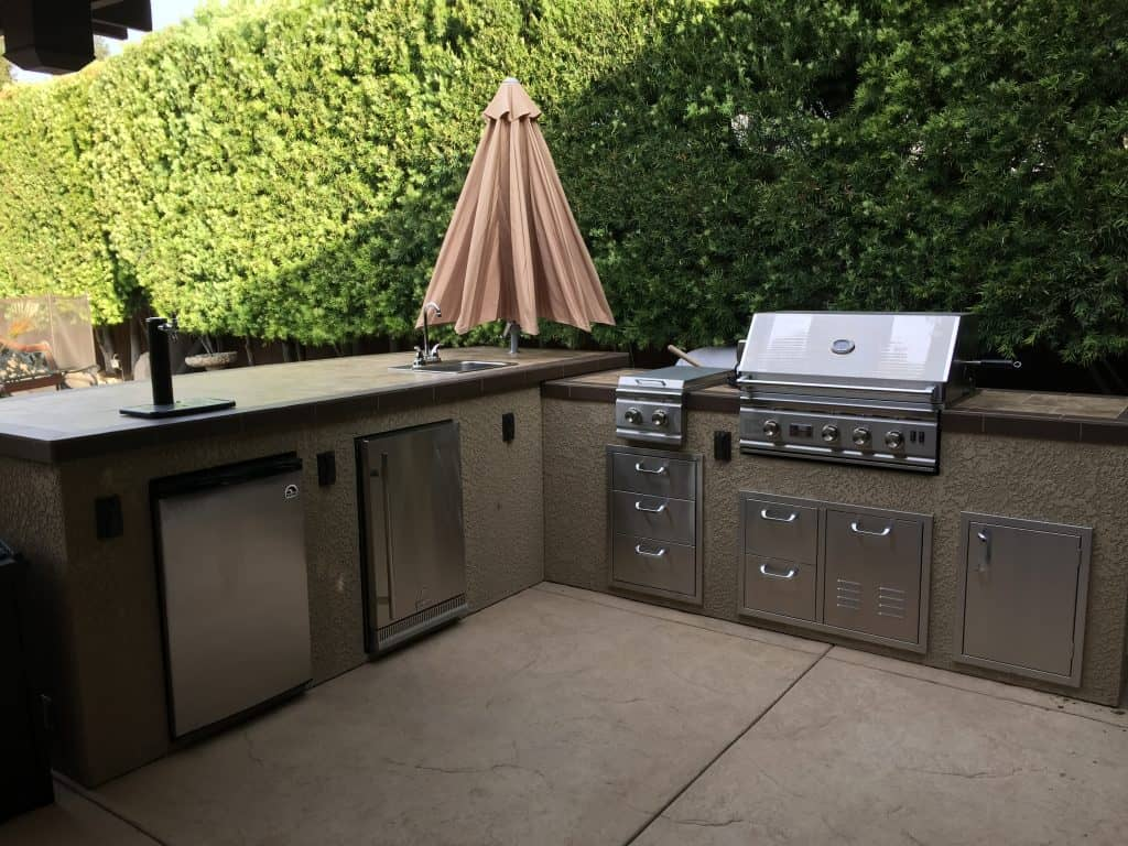 Outdoor Kitchen and BBQ – Salens Landscaping – Quality With ...
